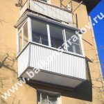 Балкон под ключ. Замена балконной плиты, вынос ограждения балкона, монтаж крыши над балконом, остекление раздвижными рамами купе.