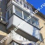 Балкон под ключ. Усиление балконной плиты, вынос остекления балкона, монтаж крыши над балконом, остекление раздвижными рамами купе.