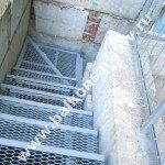 Лестница (вход в подвал)